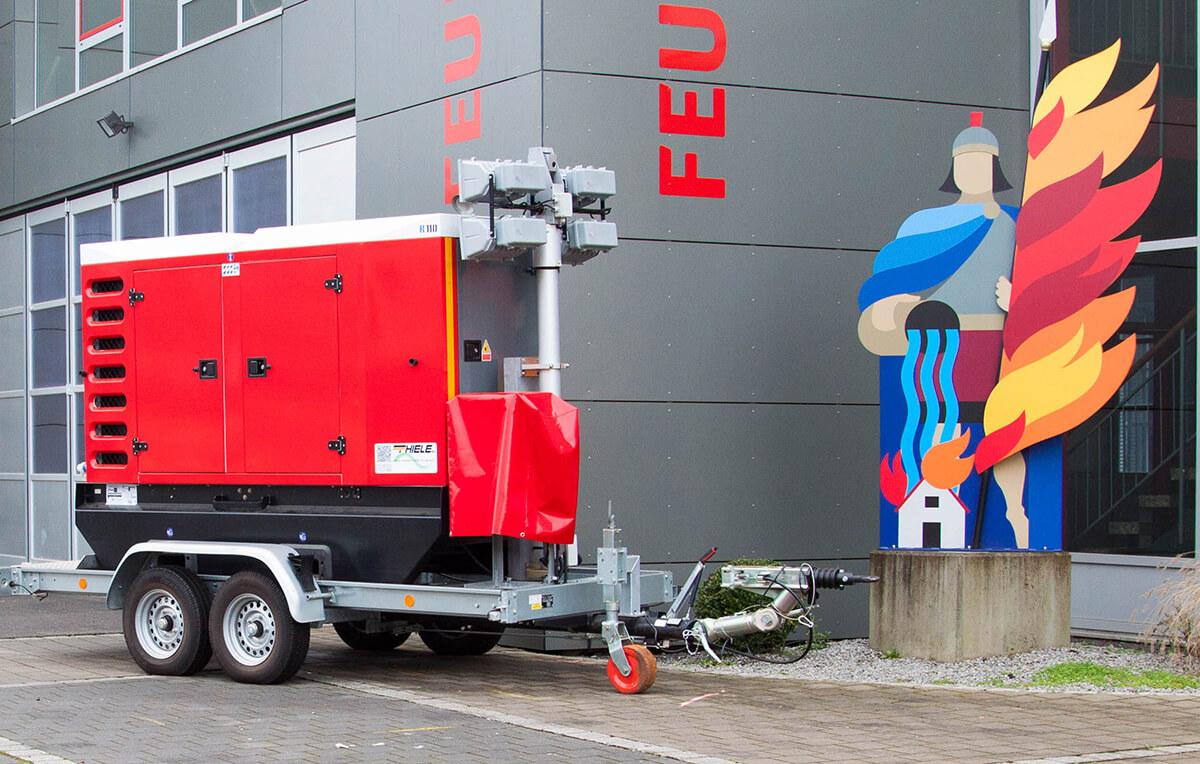 FWA-NEA: Feuerwehranhänger Netzersatzanlage mit Lichtmast