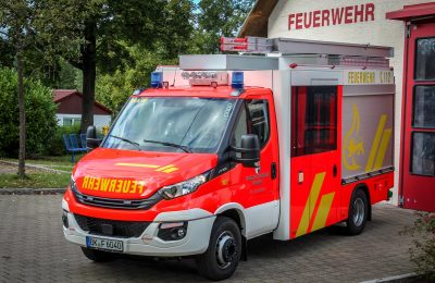 MLF vor dem Feuerwehrhaus Strümpfelbach